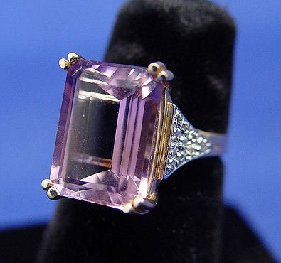 259: LARGE AMETHYST & DIAMOND RING 14k SZ5.75 5.5 GRAMS