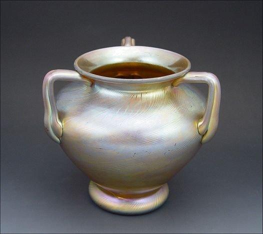 6A: STEUBEN GOLD AURENE ART GLASS VASE