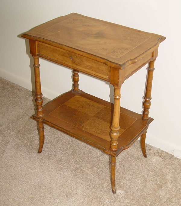 20: 19TH C LIFT TOP DRESSING TABLE