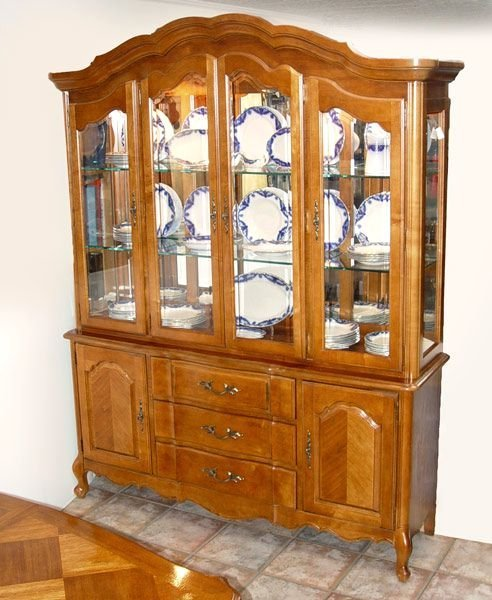 159: STANLEY FURNITURE COUNTRY FRENCH  CHINA CABINET