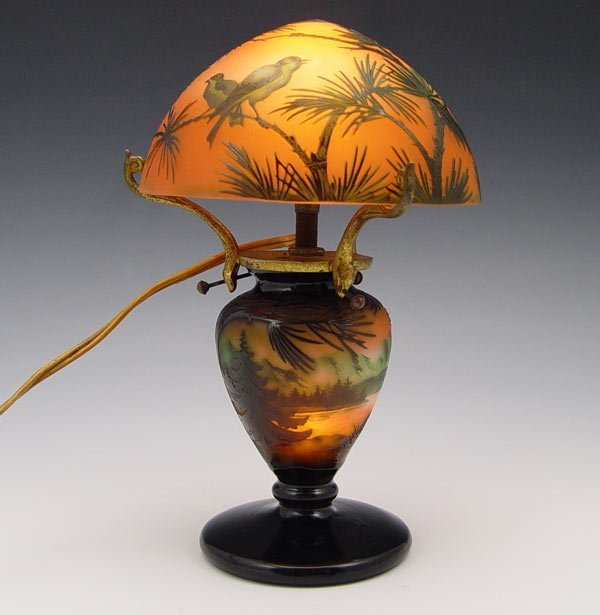 212: D'ARGENTAL FRENCH CAMEO GLASS LAMP