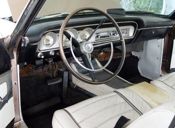 151: 1964 FORD FAIRLANE SPORT COUPE AUTOMOBILE - 3