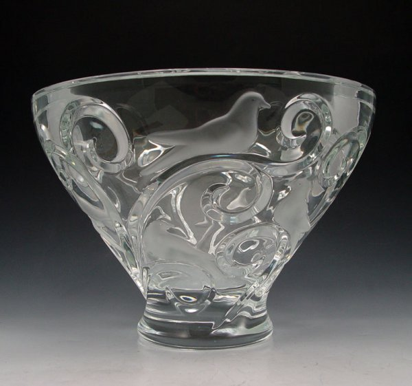 11: LARGE LALIQUE VERONE FRENCH CRYSTAL BOWL