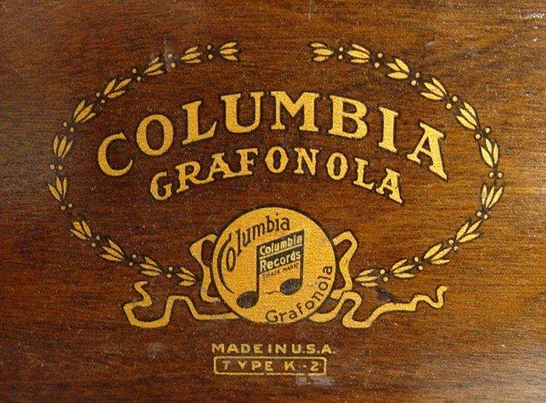 242: COLUMBIA GRAFONOLA WITH RECORDS - 7
