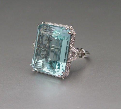 141: PLATINUM 40 CT AQUAMARINE RING 1.93 CT DIAMONDS - 4
