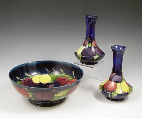 9: MOORCROFT WISTERIA VASES AND BOWL  3 piece