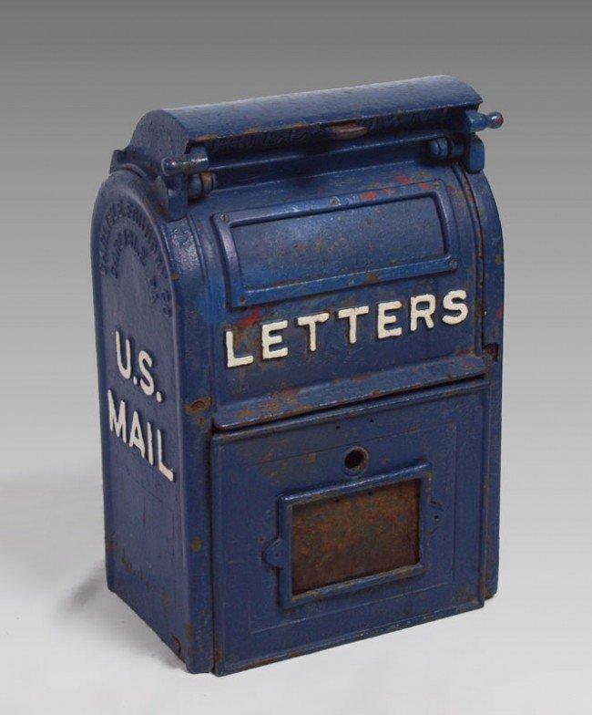 413: VINTAGE CAST IRON US LETTER BOX