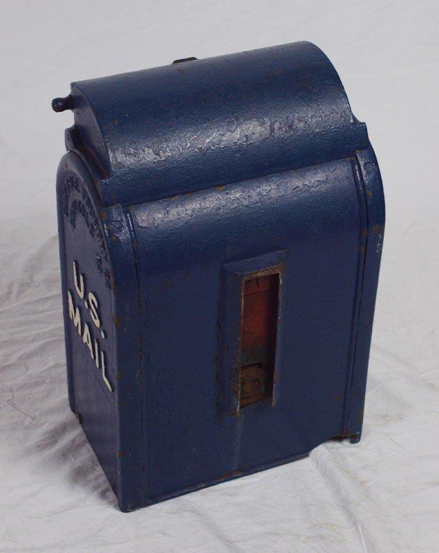 413: VINTAGE CAST IRON US LETTER BOX - 5
