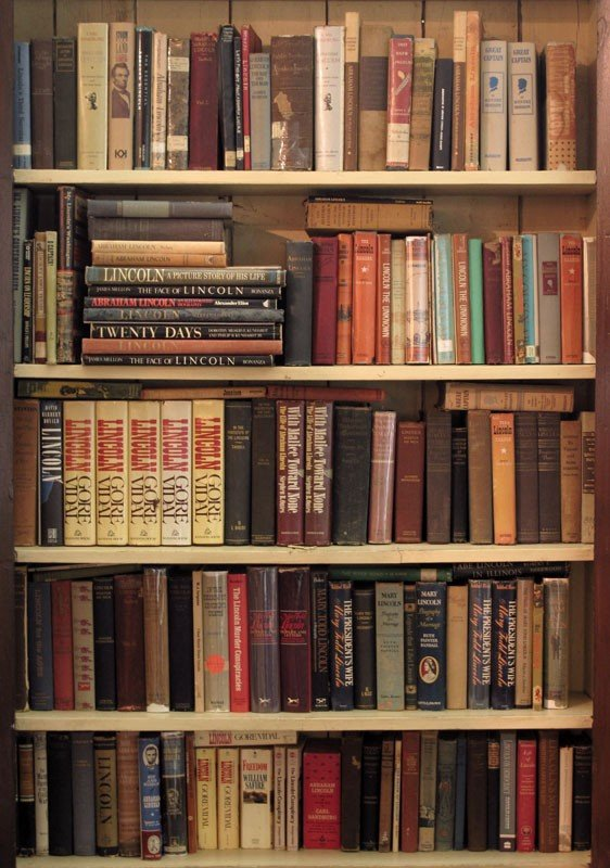 21: MASSIVE LIBRARY OF BOOKS ON ABRAHAM LINCOLN