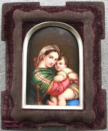 1008: MADONNA AND CHILD PAINTING ON PORCELAIN