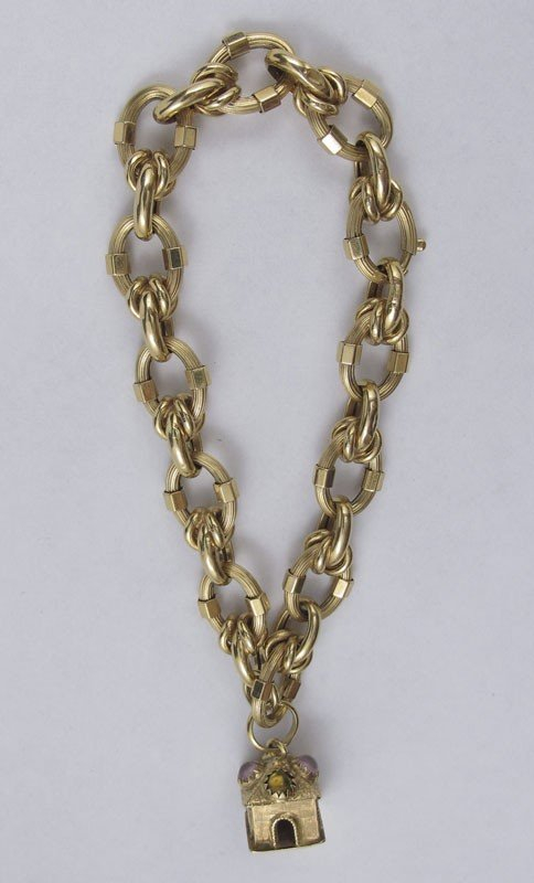 18B: 18K FANCY GOLD CHARM BRACELET 26.6 GRAMS