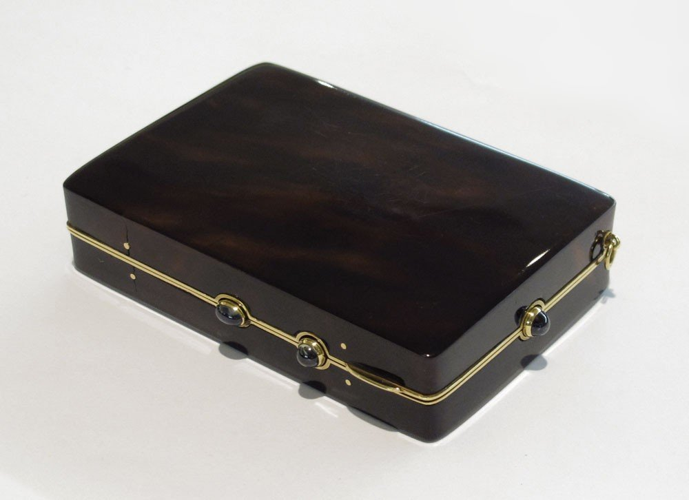 4: CARTIER TORTOISE SHELL AND 18K COMPACT / BOX
