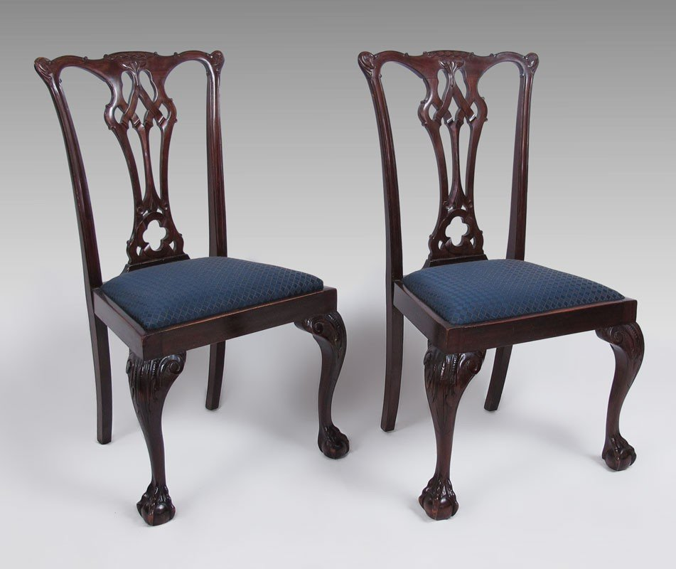 20: 2 CHIPPENDALE STYLE MAHOGANY DINING CHAIRS