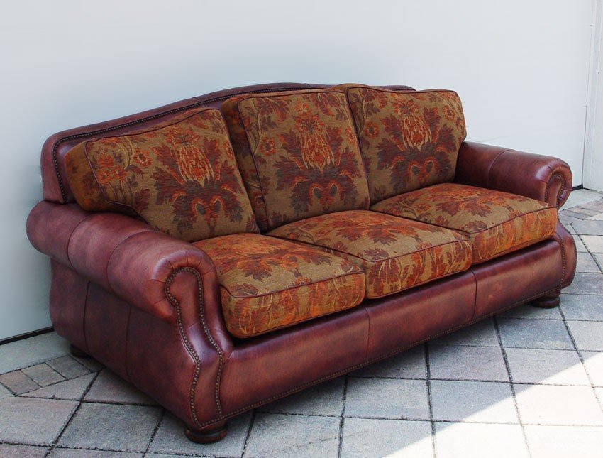 209: ROBB & STUCKY LEATHER SOFA