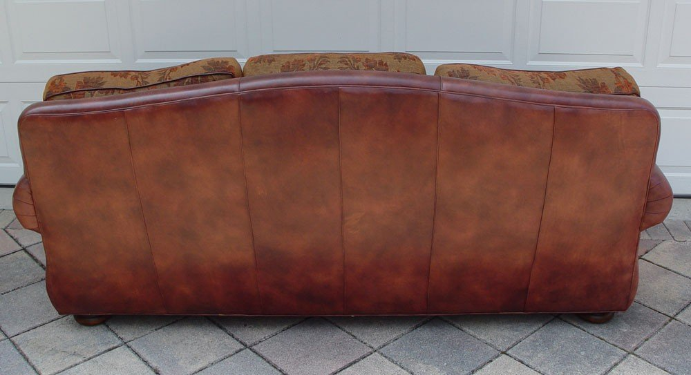 209: ROBB & STUCKY LEATHER SOFA - 2