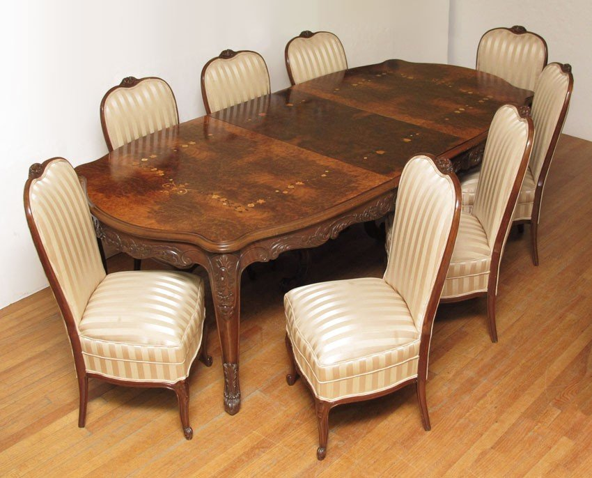 8: FRENCH MARQUETRY INLAY DINING TABLE AND 8 CHAIRS