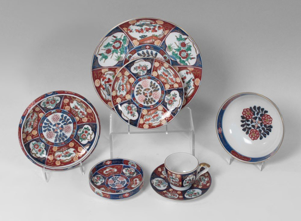 165: GOLD IMARI HAND PAINTED CHINA