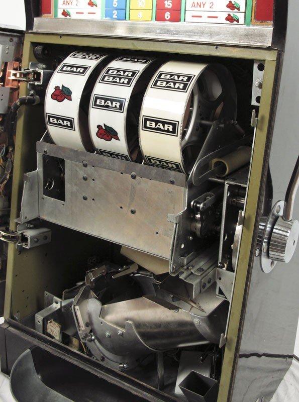343: BALLY MODEL 1088 25 CENT SLOT MACHINE - 3