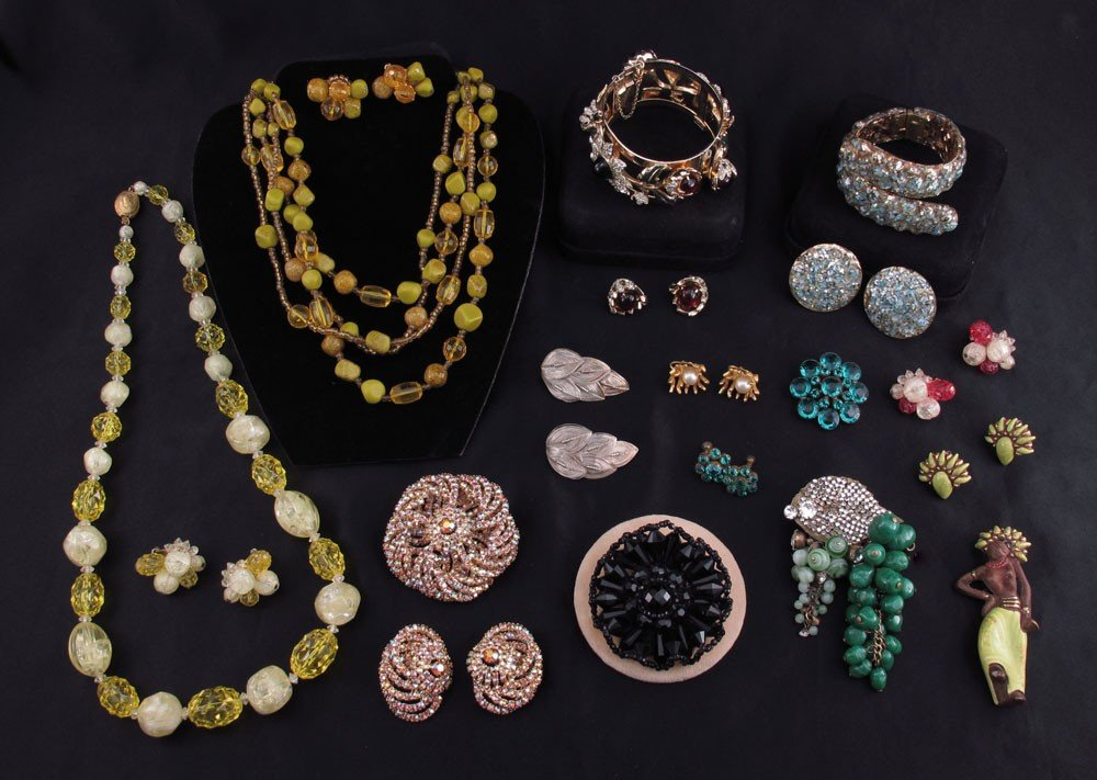 438: ESTATE COSTUME JEWELRY CARNEGIE HASKELL CAVINESS +