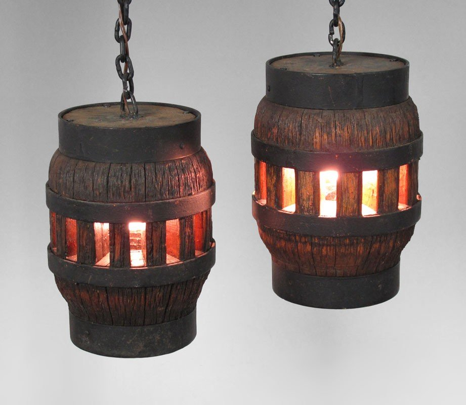 212: PR WOODEN WAGON WHEEL HUB HANGING LAMPS