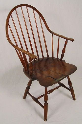 1076: EARLY CONTINUOUS ARM BOW BACK WINDSOR CHAIR