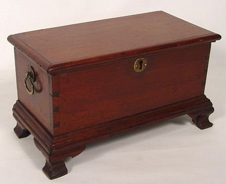 1080: 19TH C MINIATURE PENNSYLVANIA BLANKET CHEST