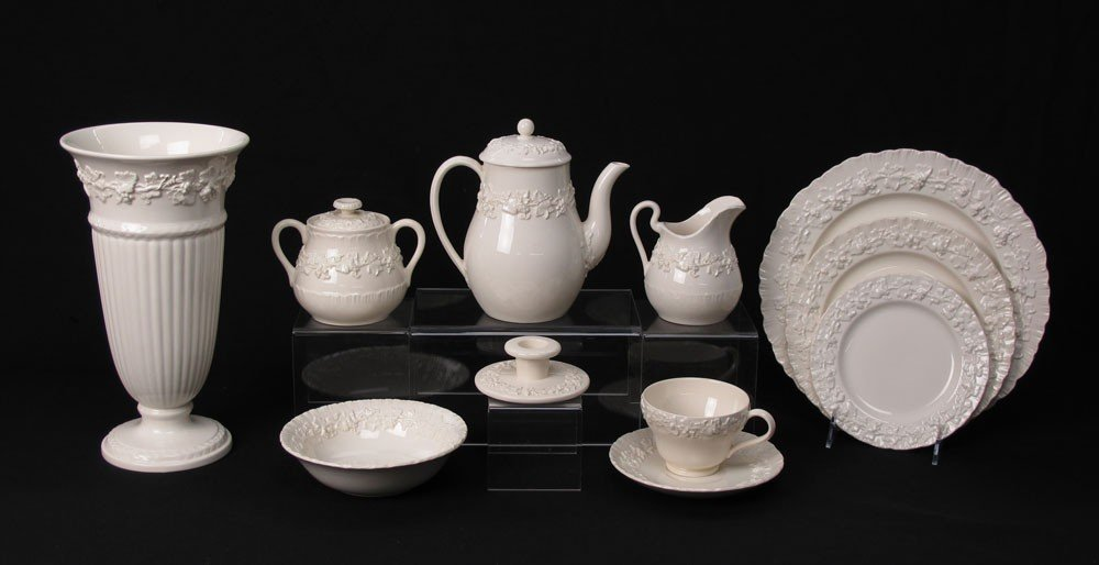 9A: 67 pc WEDGEWOOD CREAM QUEENSWARE