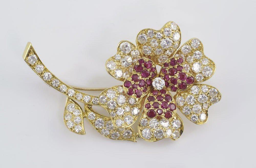 68: RUBY & DIAMOND FLOWER FORM BROOCH 18k GOLD