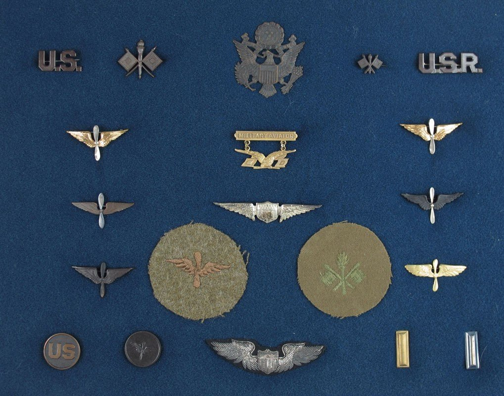 265: COLLECTION OF WWI AVIATOR PINS & PATCHES