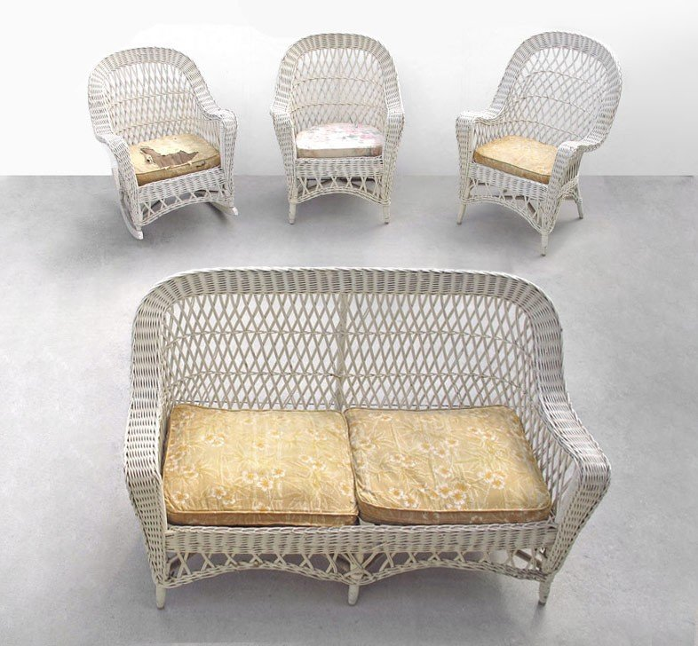 256: 4 PIECE BAR HARBOR WICKER SUITE