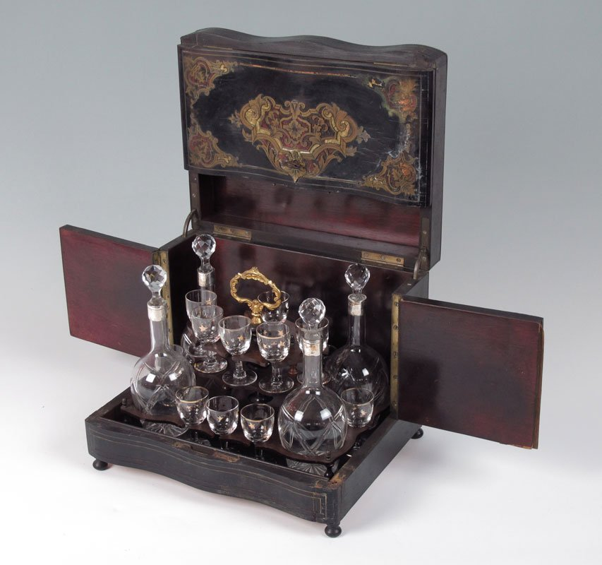 80: BOULLE AND TORTOISE SHELL INLAID MAHOGANY TANTALUS