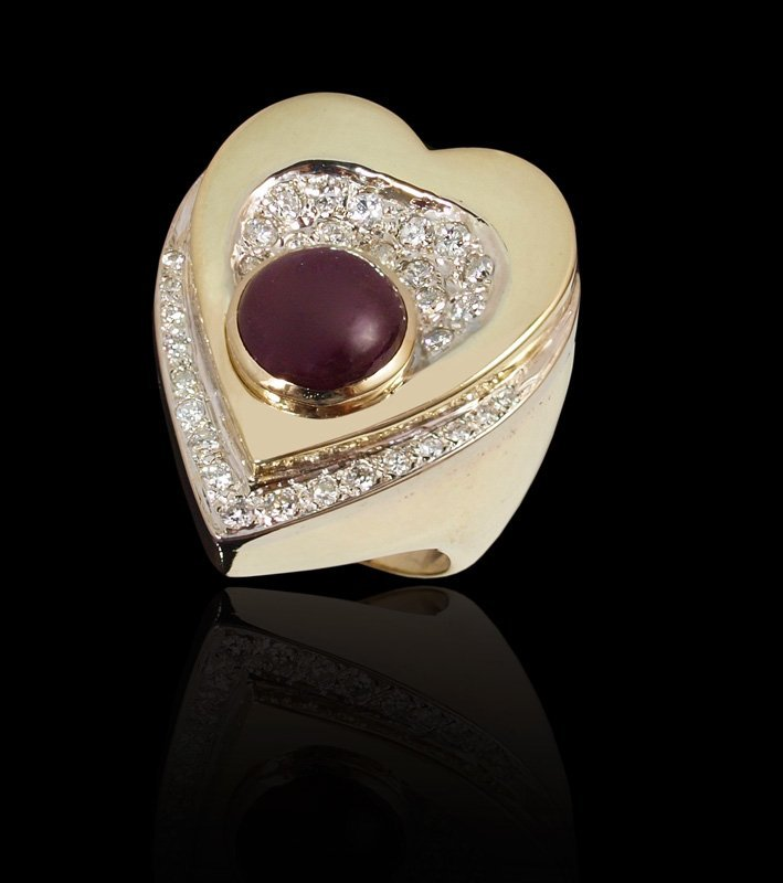 154: 18K GOLD 4.6CT RUBY HEART RING w/ .50CT DIAMONDS
