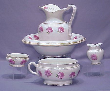 1006: 5 PC. ROSE DECORATED CHAMBER SET
