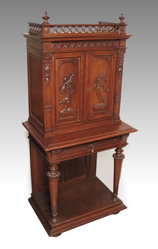 15: LATE 19TH C FRENCH RENAISSANCE STYLE WINE CABINET