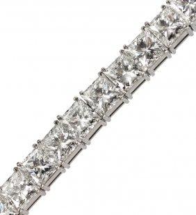 51: PLATINUM 17.60 CTW DIAMOND BRACELET