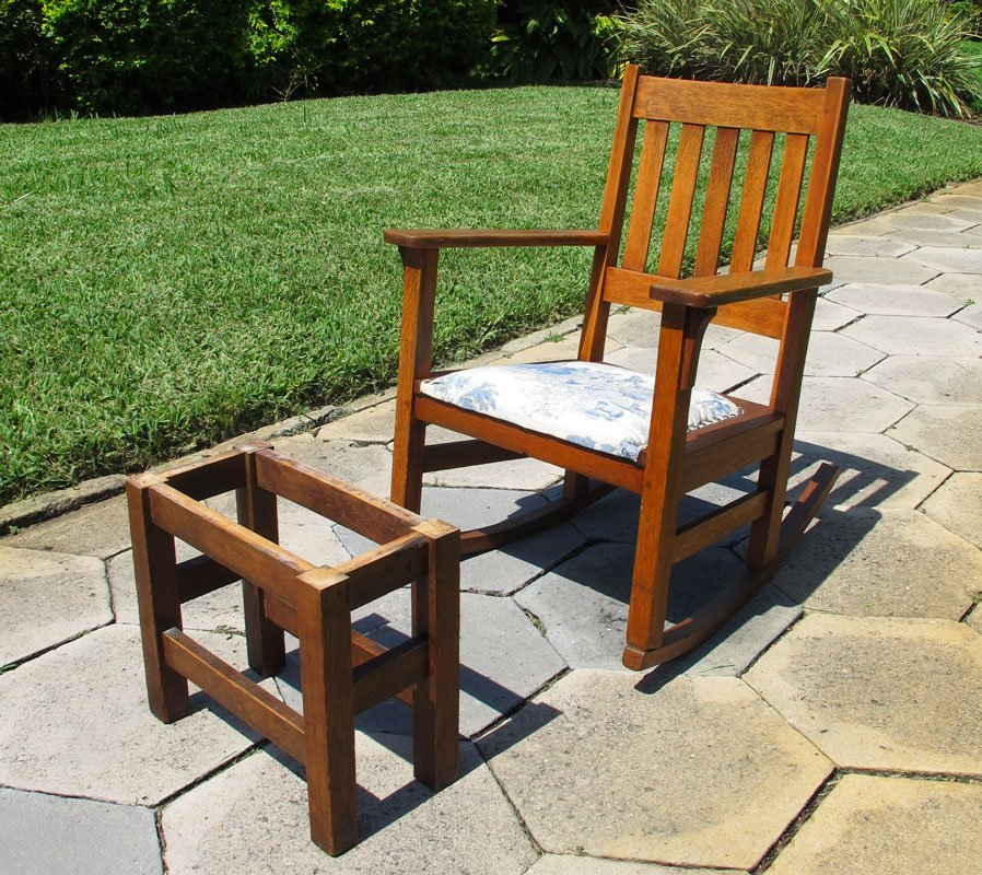 17: STICKLEY QUAINT ROCKER WITH STOOL