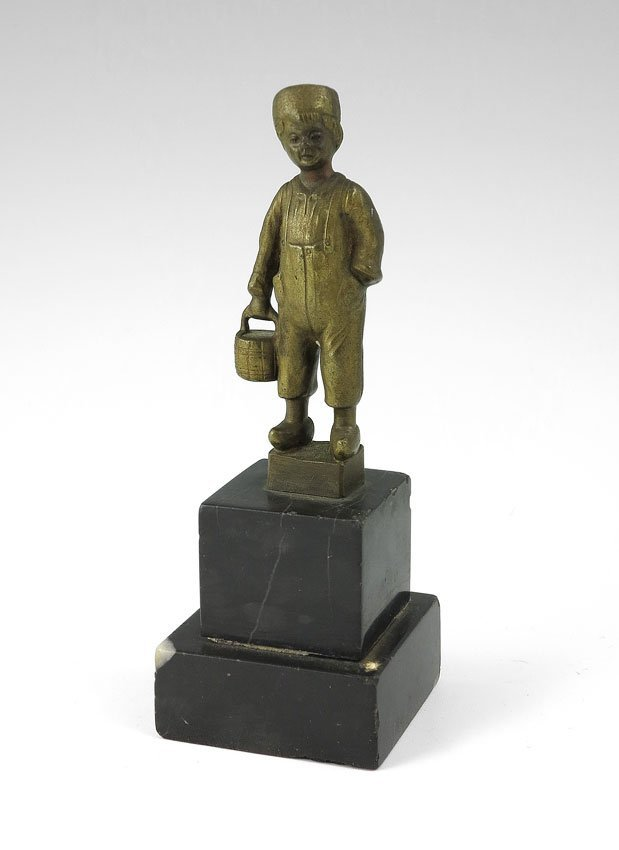 15: E. BECK BRONZE DUTCH BOY SCULPTURE