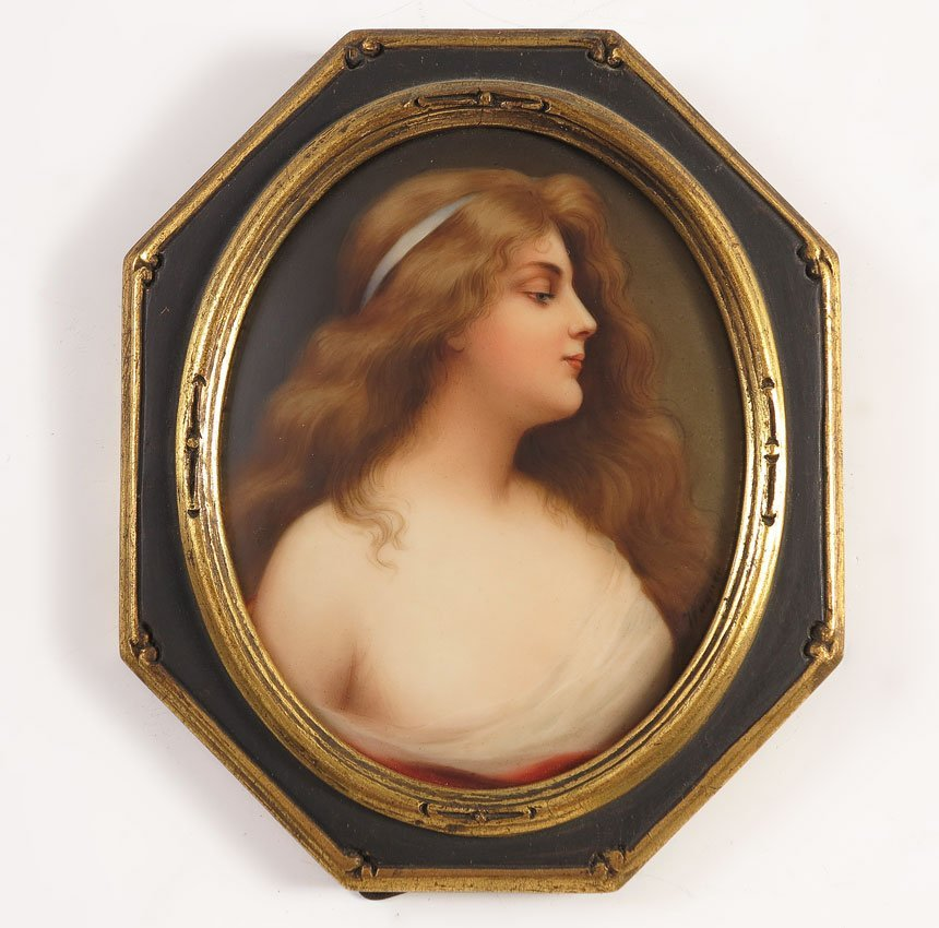 19: HUTSCHENREUTHER PAINTING ON PORCELAIN YOUNG BEAUTY