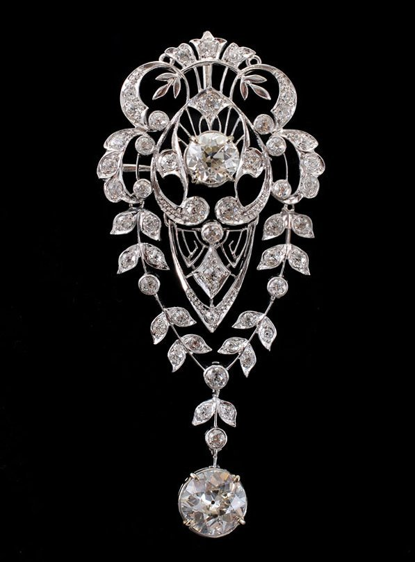 99: PERIOD EDWARDIAN PLATINUM 4.66 CTW DIAMOND BROOCH
