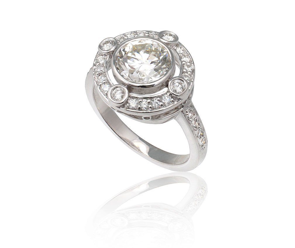 17: PLATINUM 1.58 CT CENTER DIAMOND RING