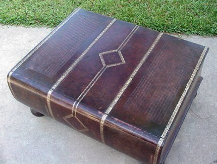 31a Decorator Book Shaped Coffee Table