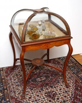 DOME GLASS TOP VITRINE DISPLAY TABLE
