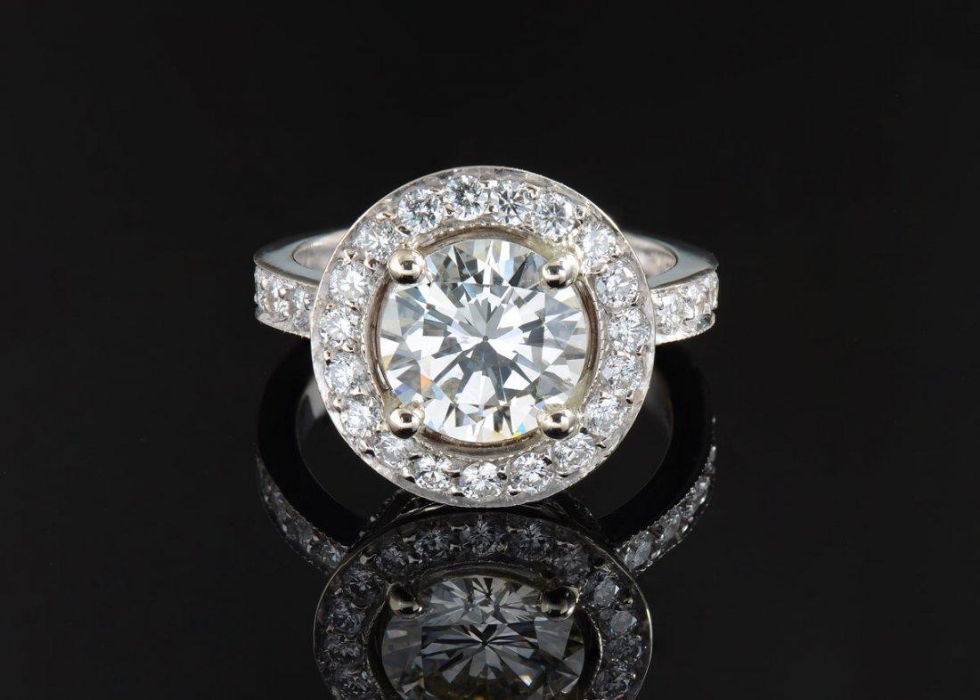 18K RING WITH 1.72 CT DIAMOND CENTER