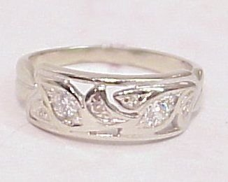 1009B: FILIGREE DIAMOND BAND
