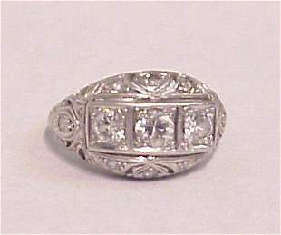 PERIOD PUFFED PLATINUM DIAMOND RING