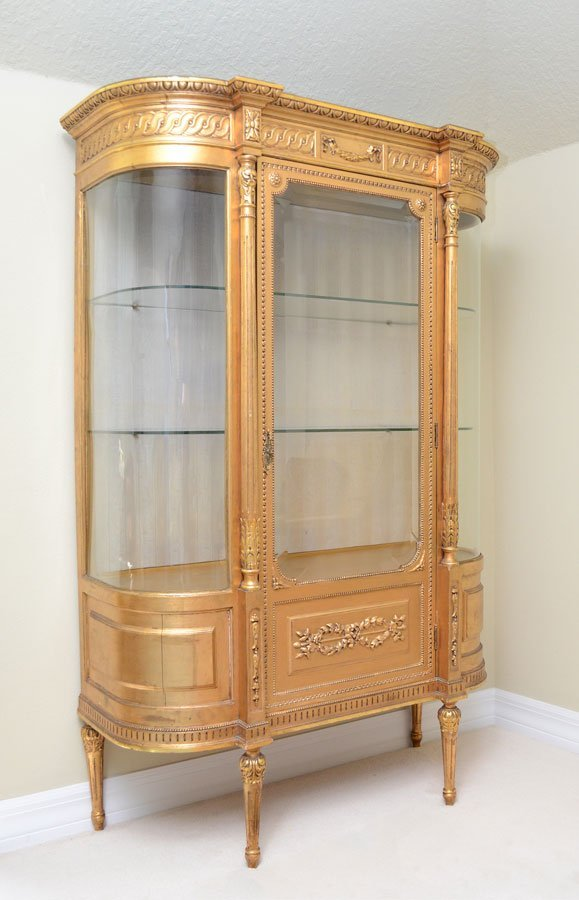 19TH CENTURY FRENCH GOLD GILT DISPLAY CABINET