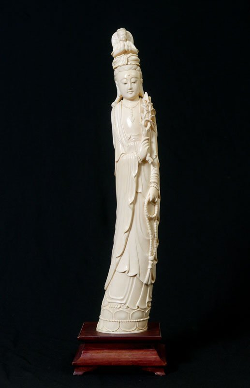 LARGE CARVED IVORY QUAN YIN FIGURE