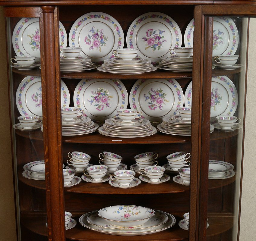 105 PC CASTLETON MANOR FINE CHINA