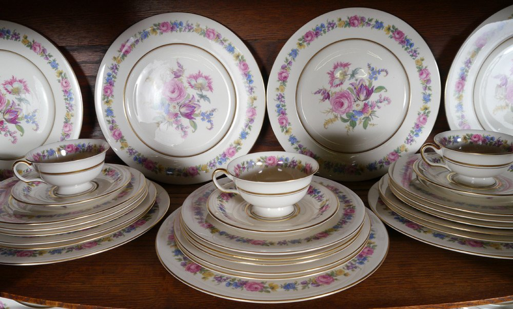 105 PC CASTLETON MANOR FINE CHINA - 3