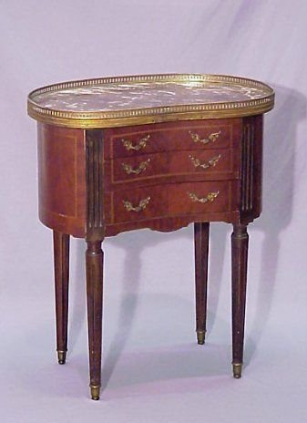 1004B: FRENCH MARBLE TOP STAND KIDNEY SHAPED